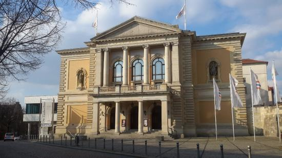 Florian Lutz und Michael v. zur Mühlen zur Opernspielzeit 2018/19