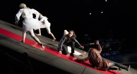 FAUST- das nt widmet sich beiden Teilen des Theaterklassikers