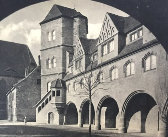 """""""Bauhaus Meister Moderne – Das Comeback"""" Ausstellung in der Moritzburg"""